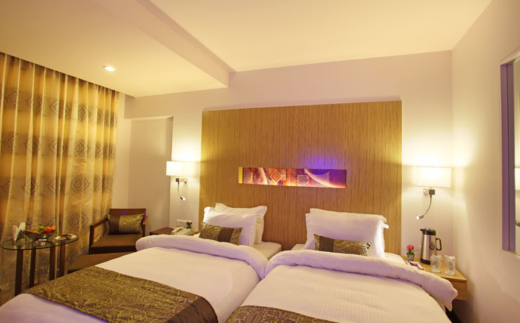 SUPERIOR ROOMS - Hotel Comfort INN Legacy, Rajkot